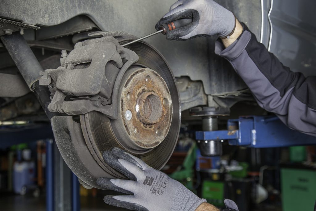Repairing vehicle brakes